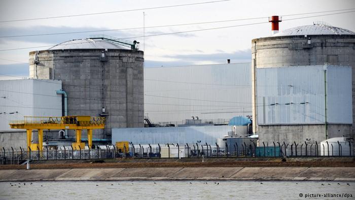Usina atômica francesa de Fessenheim, na Alsácia, próximo à fronteira com a Alemanha