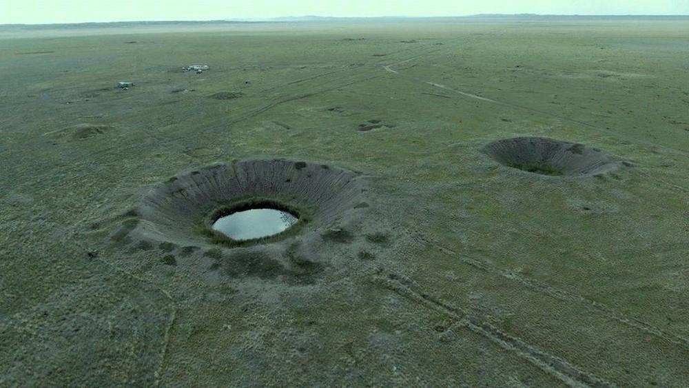 Vista aérea do 'Polígono', em que mais de 400 bombas nucleares foram detonadas (Foto: BBC)